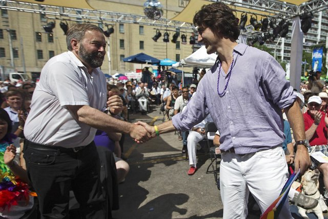 Les chefs Thomas Mulcair et Justin Trudeau se... (Photo: Reuters)