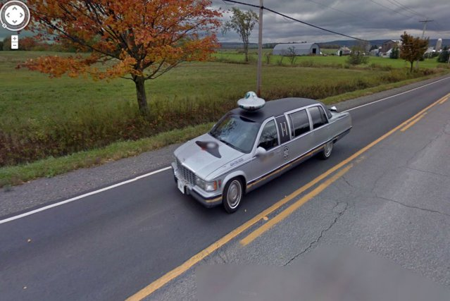 En surfant sur Google Street View, on peut tomber sur des images surprenantes.... (Capture d'écran Google Street View)