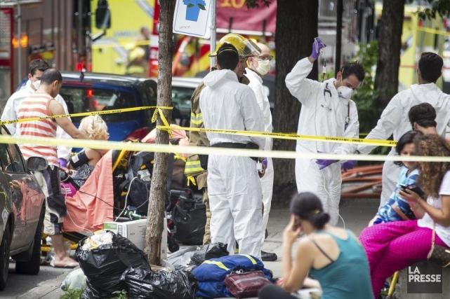 Une quarantaine de pompiers ont été dépêchés à... (Photo Olivier Pontbriand, La Presse)