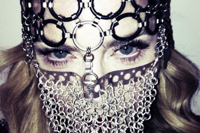 Madonna, le visage caché derrière ce que plusieurs... (PHOTO TWITPIC)