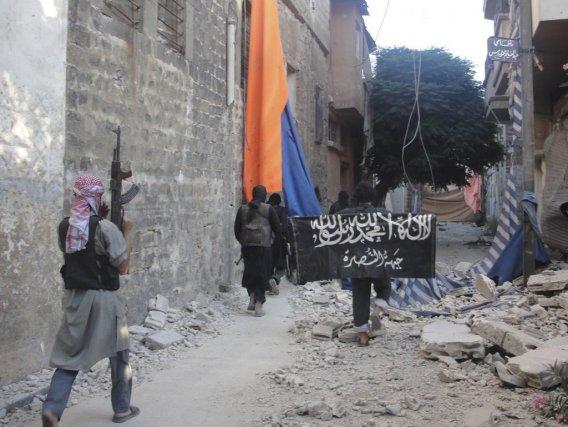 Des membres de l'armée syrienne libre dans les... (Photo AP)