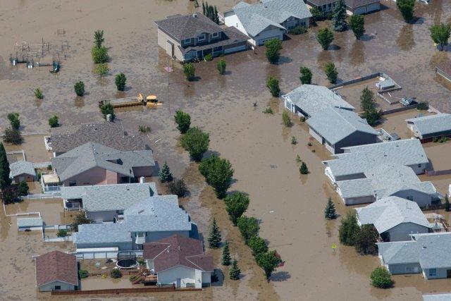 Les inondations ayant ravagé la province des Prairies... (PHOTO ANDY CLARK, REUTERS)