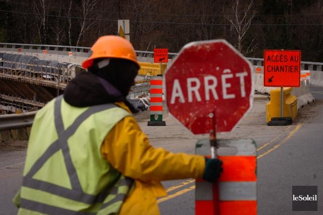 Le gouvernement Couillard ne tolérera pas une nouvelle grève dans l'industrie... (Photothèque Le Soleil)