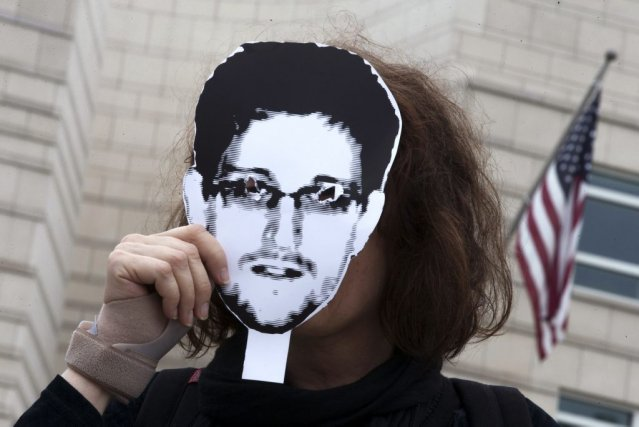 Le comportement et les motivations d'Edward Snowden sont... (Photo THOMAS PETER, Reuters)