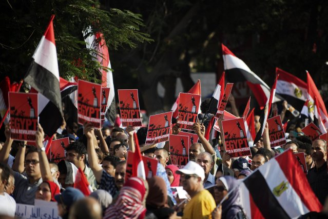 Des dizaines de milliers d'opposants à Mohamed Morsi... (PHOTO GIANLUIGI GUERCIA, AFP)