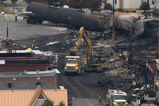 Le déraillement et l'explosion du train ont rasé... (Photo: Robert Skinner, La Presse)