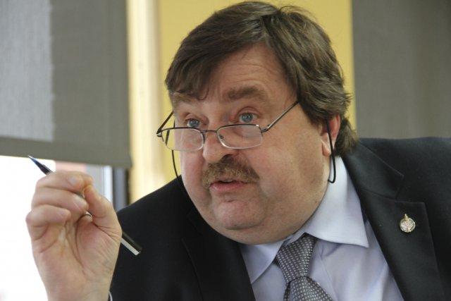 «Le ministre Lebel affirmait dans les médias que... (photo archives La Voix de l'Est)