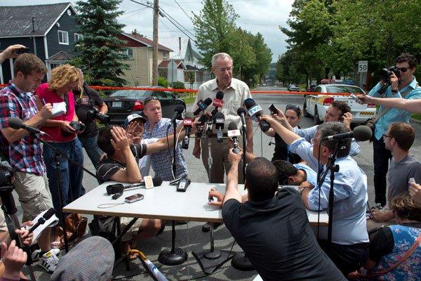 Durant sa conférence de presse, Ed Burkhardt a... (LA PRESSE CANADIENNE)