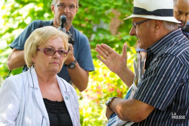 Depuis samedi, des citoyens demandent à la mairesse... (La Presse, Alain Roberge)