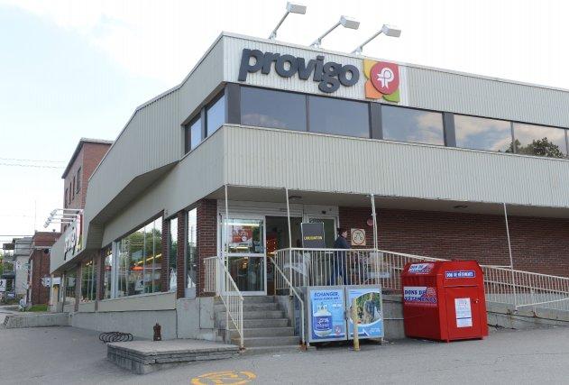 Le supermarché Provigo situé au coin des rues McManamy et Belvédère a fermé ses... (IMACOM, Maxime Picard)