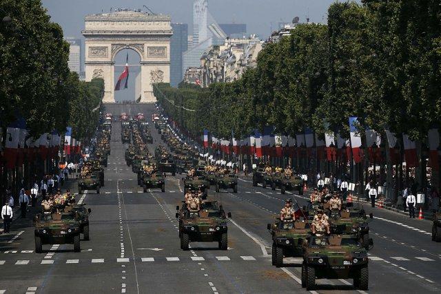 Défilé au sol et prouesses aériennes étaient au... (Photo: Reuters)