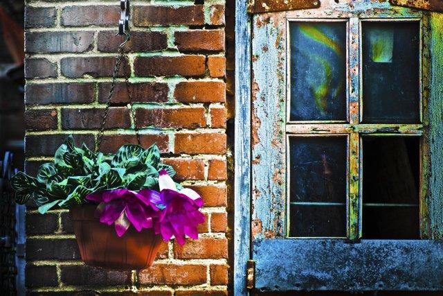 Fenêtre sur cour, par Emmanuel Bévia... (Photo fournie par Grizzly Montréal)