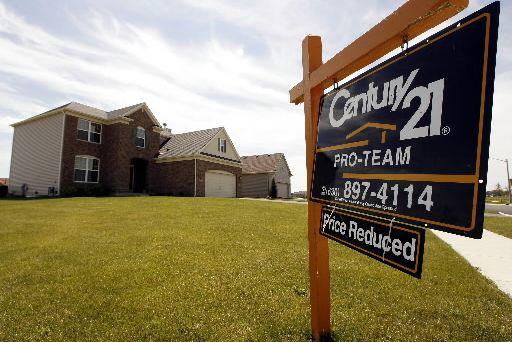Les promesses de ventes de logements aux États-Unis ont nettement reculé à la... (Photo archives Reuters)