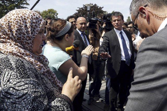 Une citoyenne a interpellé lundi le ministre de... (Photo: AFP)