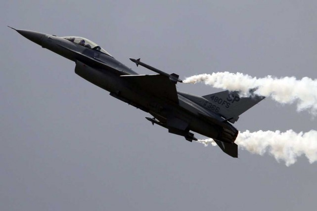 Un F-16 de Lockheed Martin.... (Photo Associated Press)