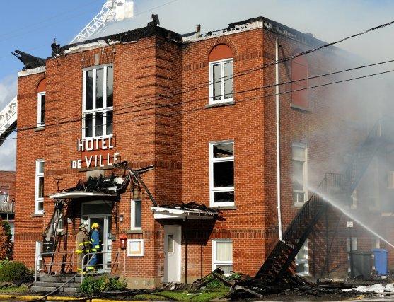 Hydro-Québec pourrait être tenue responsable de l'incendie qui a détruit... (Photo Frédéric Cantin)