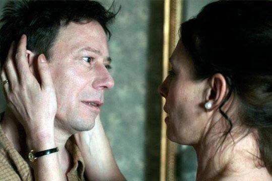 Mathieu Amalric et Nathalie Boutefeu dans Les gouffres.... (Photo: fournie par Fantasia)
