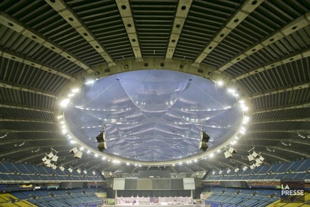 Le gouvernement s'apprêtait à autoriser un nouveau toit... (PHOTO HUGO-SÉBASTIEN AUBERT, LA PRESSE)
