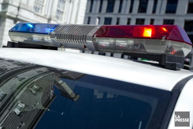 Les policiers et pompiers ont été appelés à... (Archives La Presse)