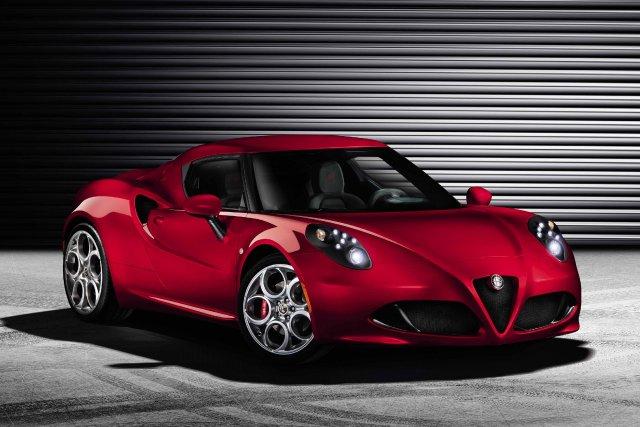 L'Alfa Romeo 4C préfigure le retour des roues... (Photo fournie par Alfa Romeo)