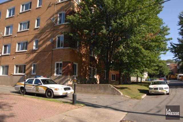 L'agression est survenue dans cet immeuble à logement... (Photo: Sylvain Mayer)