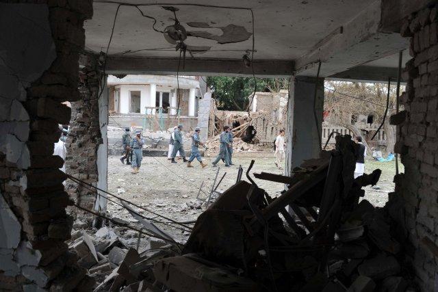 Trois kamikazes ont tenté d'attaquer le consulat indien dans une ville de l'est... (Photo Noorullah Shirzada, AFP)