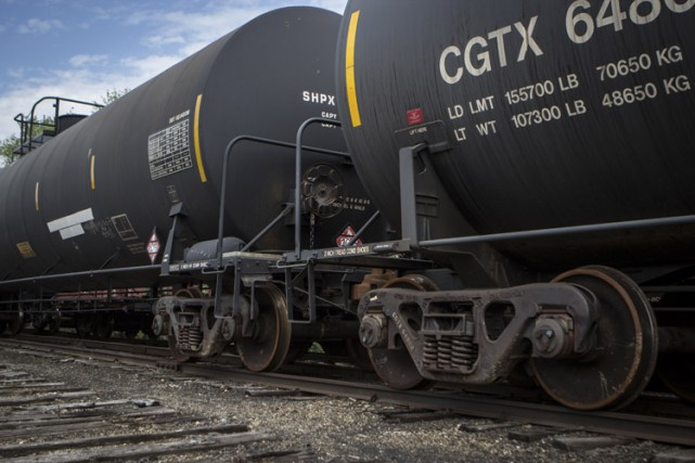 Neuf wagons contenant chacun environ 100 000 litres... (PHOTO ARCHIVES LA PRESSE CANADIENNE)