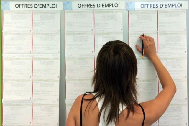 Les perspectives d'emploi des jeunes et travailleurs peu qualifiés se sont... (Photo Lucas Schifres, archives Bloomberg)