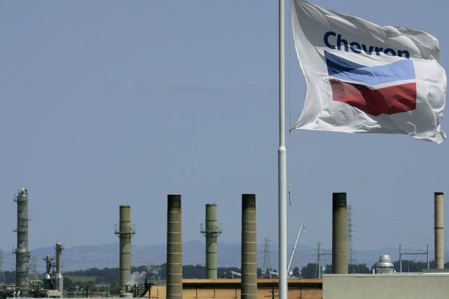 La raffinerie de Richmond, en Californie.... (PHOTO BEN MARGOT, AP)