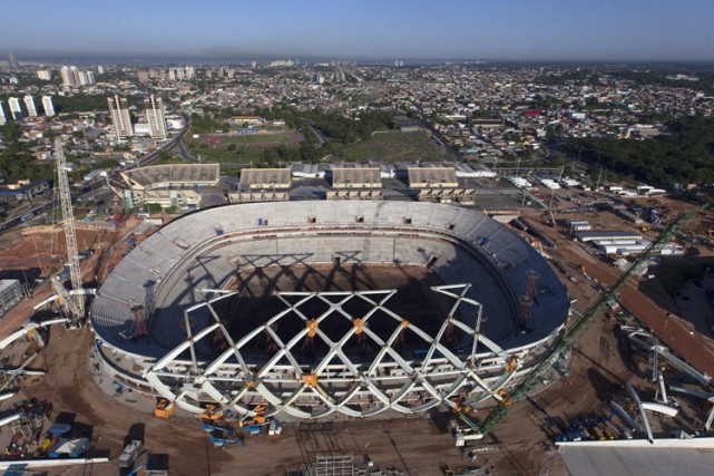 Le stade Vivaldo Lima, lors de sa construction... (Photo: archives Reuters)