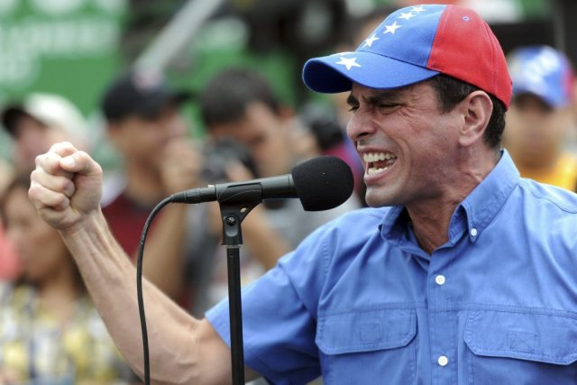 HenriqueCapriles n'a pas indiqué s'il boycotterait également une... (Photo Leo Ramirez, Agence France-Presse)