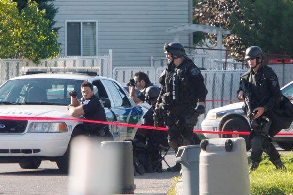 Un forcené qui s'était barricadé chez lui a tenu les policiers de Gatineau en... (SIMON SÉGUIN-BERTRAND, LeDroit)