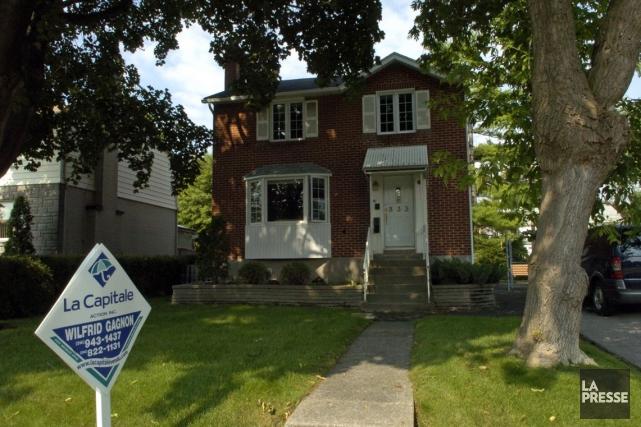 Le prix moyen des propriétés a franchi le cap symbolique des 400 000$ en mai au... (Photo Rémi Lemée, archives LaPresse)