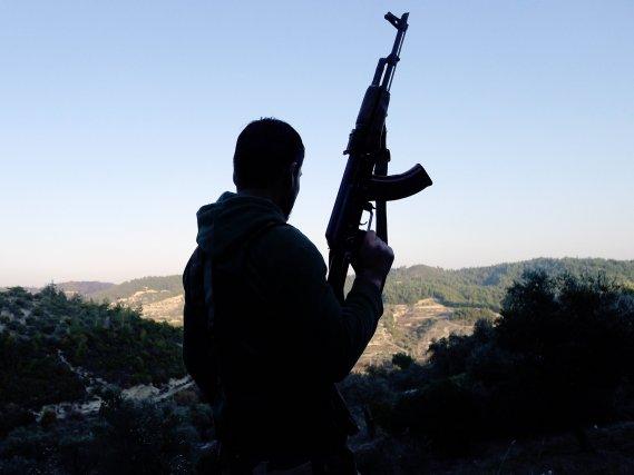 Il serait «trompeur» d'appeler «combattants étrangers» chacun des... (PHOTO ENN - SEZAYI ERKEN, AFP)