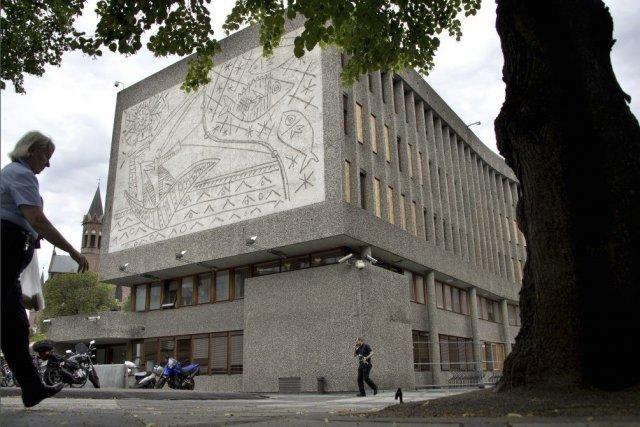 Rescapées de l'attentat à la bombe commis par Breivik en 2011, des fresques de... (Photo: AFP)