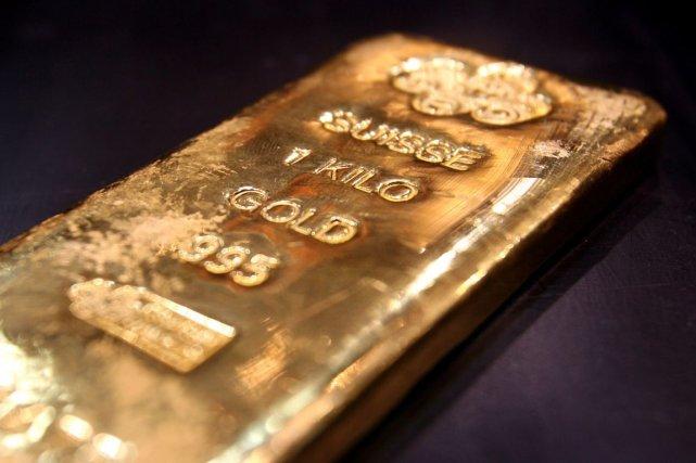 Le titre de Barrick Gold (T.ABX) perdait de sa valeur lundi... (Photo archives Reuters)