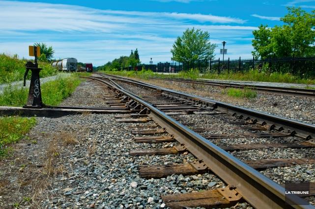 Déclarer tout transport de matière dangereuse par voie ferrée pourrait devenir... (Archives La Tribune, Jessica Garneau)