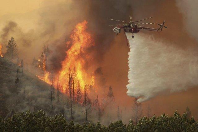 L'incendie de Beaver Creek a crû de 39... (PHOTO ASHLEY SMITH, AP)
