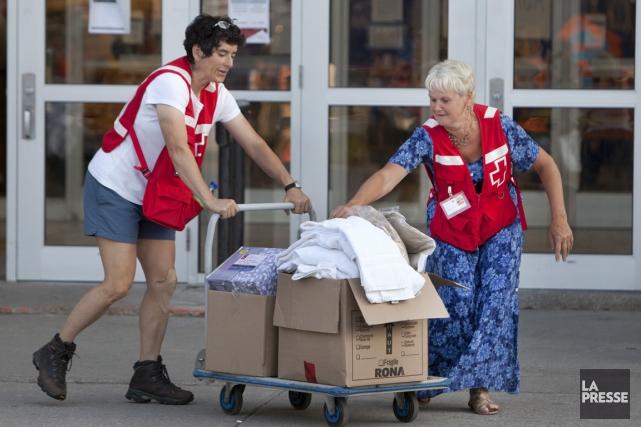 Les bénévoles de la Croix-Rouge sont intervenus sur... (PHOTO ROBERT SKINNER, ARCHIVES LA PRESSE)