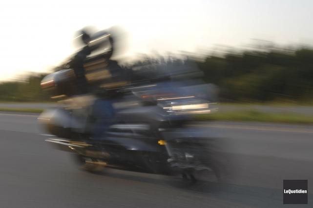 Le camion «m'a percuté par l'arrière. La moto... (Photo: Michel Tremblay, Le Quotidien)