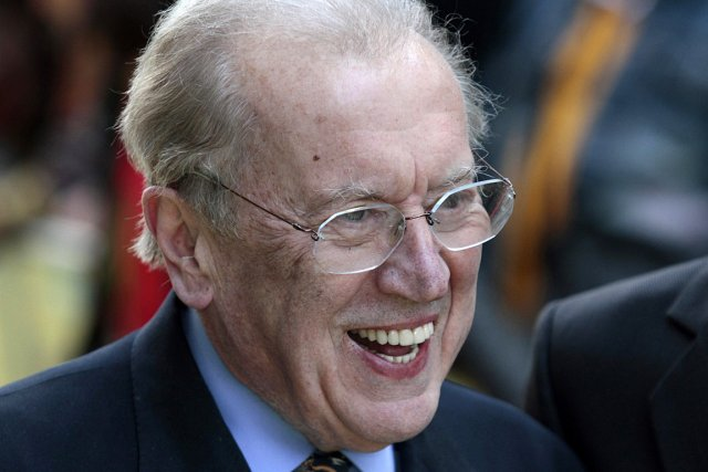 Le journaliste britannique David Frost, photographié en 2011.... (PHOTO Lefteris Pitarakis, ARCHIVES ASSOCIATED PRESS)