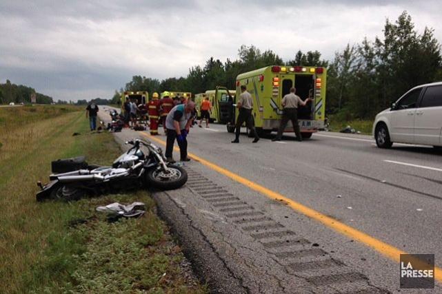 Huit motocyclistes ont été impliqués dans un accident... (PHOTO YANNICK FLEURY, LA PRESSE)