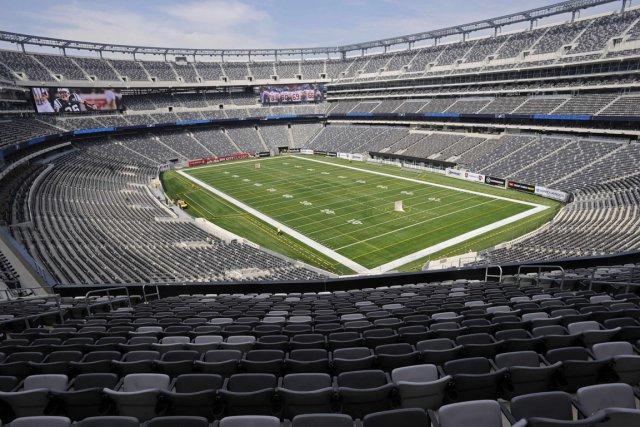 La NFL a osé en décernant le match... (Photo Bill Kostroun, AP)