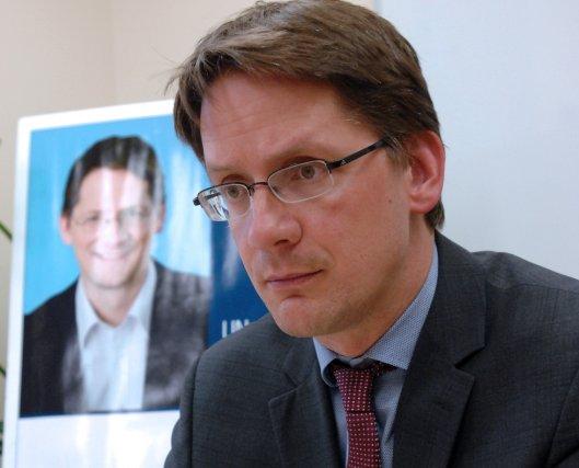 Le député de Jonquière et ministre des Transports... (Archives)