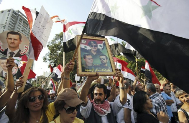 La riposte du régime syrien à des frappes... (Photo ANWAR AMRO, AFP)