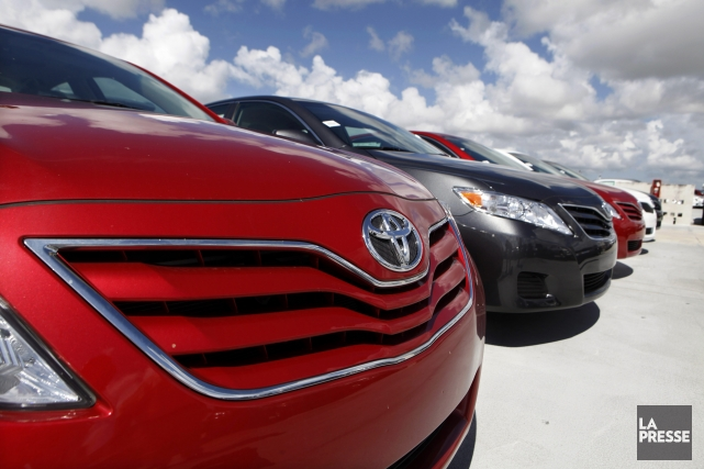 Les ventes canadiennes de véhicules automobiles ont connu une année record en... (Photo Lynne Sladky, AP)