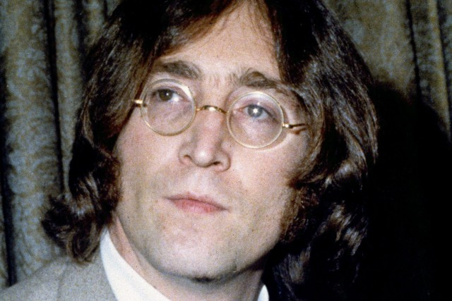 John Lennon... (Photo John Lindsay, archives AP)