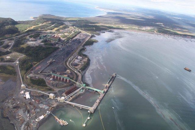 Vue aérienne du déversement de mazout des installations... (Photo fournie par Dominique Séguin)