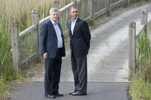 Stephen Harper etBarack Obama lors du sommet du... (PHOTO ADRIAN WYLD, PC)