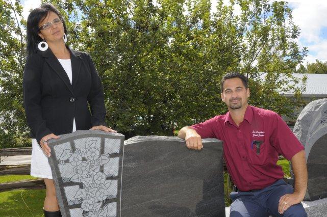Chantale et Carl Grenier sont copropriétaires de l'entreprise... (Photo Gimmy Desbiens)